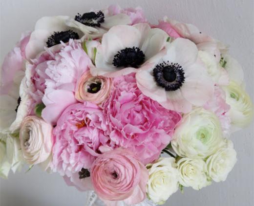 anemone-bouquet-520x423